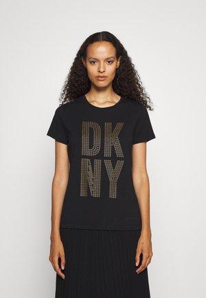 STACKED GROMMET LOGO - T-shirt print - black