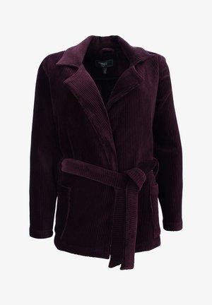Pitkä takki - rubin