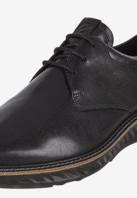 ECCO - ST.1 HYBRID - Volnočasové šněrovací boty - black - 5