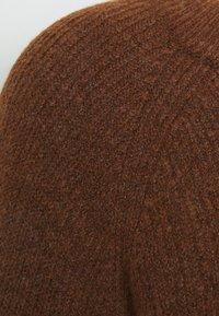 Pieces - PCELLEN - Jersey de punto - mocha bisque - 2