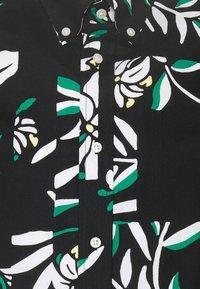 Tommy Hilfiger - PATCHWORK FLORAL PRINT - Skjorta - black/ivory/multi - 7