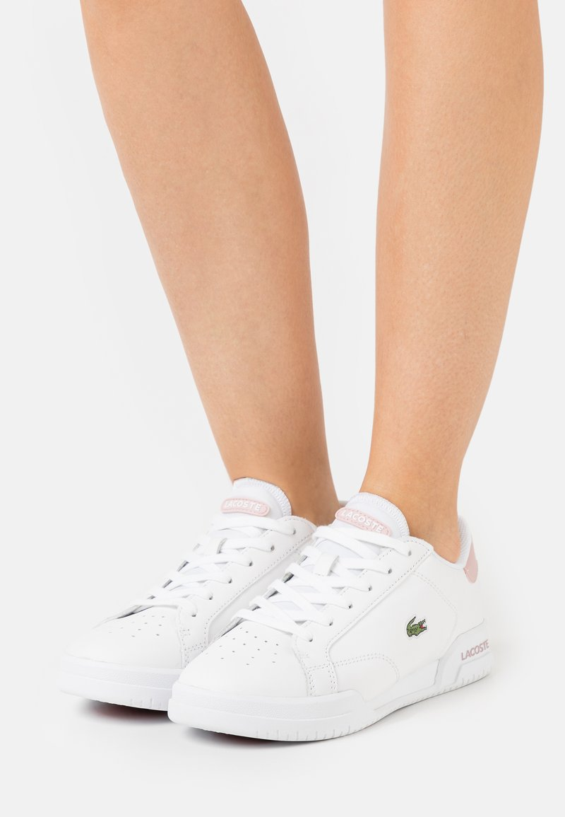 Lacoste - TWIN SERVE - Baskets basses - white/light pink