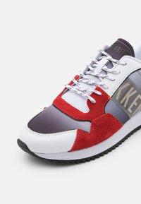 Bikkembergs - HARUN - Trainers - red/black/white - 5