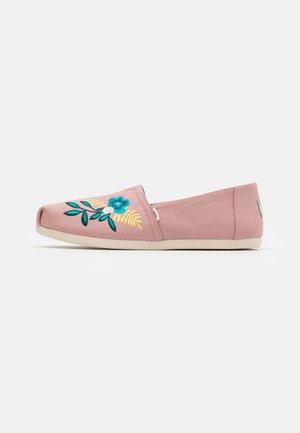 ALPARGATA - Slip-ons - pink