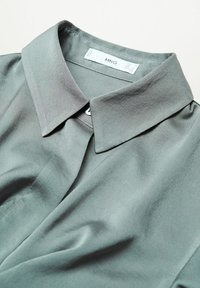 Mango - FLUIDE  - Button-down blouse - vert - 7