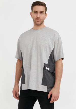 RUNDHALS - Basic T-shirt - light grey melange