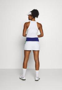 Lacoste Sport - TENNIS SKIRT - Sportovní sukně - cosmic/white/greenfinch - 2
