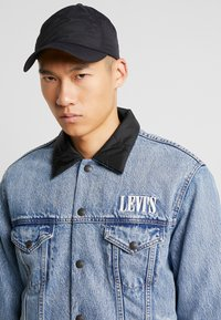 Levi's® - RVS PADDED TRUCKER - Giacca di jeans - surprise - 5