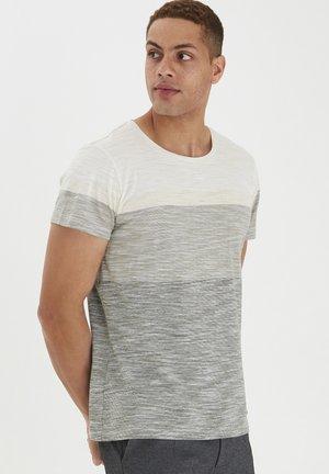 JAKOB - T-shirt print - egret