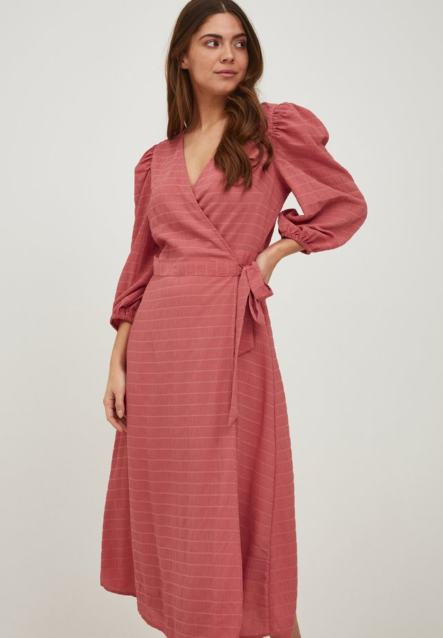 IXADRIANA - Korte jurk - dusty cedar