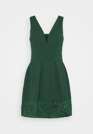 NADIA VPLUNGE NECK SKATER DRESS - Cocktailkjoler / festkjoler - forest green