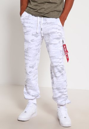 FIT PANT - Verryttelyhousut - white