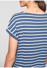 s.Oliver - Print T-shirt - blue - 5