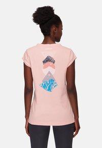 Mammut - MASSONE - Print T-shirt - evening sand - 0