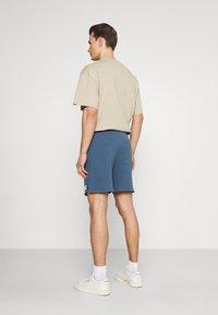 Marc O'Polo DENIM - FRONT POCKETS BACK POCKET - Shorts - grayish petrol - 2