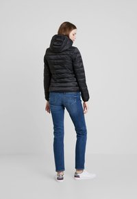 Tommy Jeans - QUILTED ZIP THRU - Light jacket - black - 2