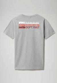 Napapijri - SOLE GRAPHIC - Print T-shirt - medium grey melange - 5