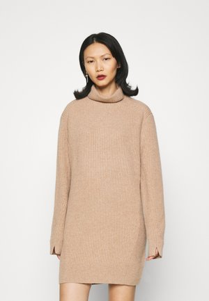 PIERCE T NECK DRESS  - Jumper dress - camel