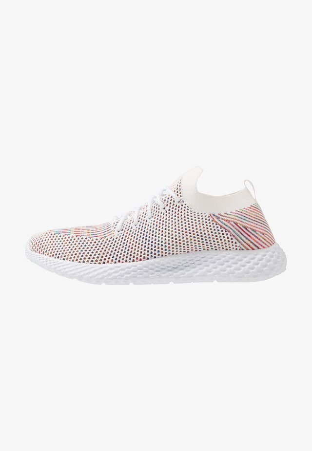 HATCHER TRAINER - Trainers - white/rainbow