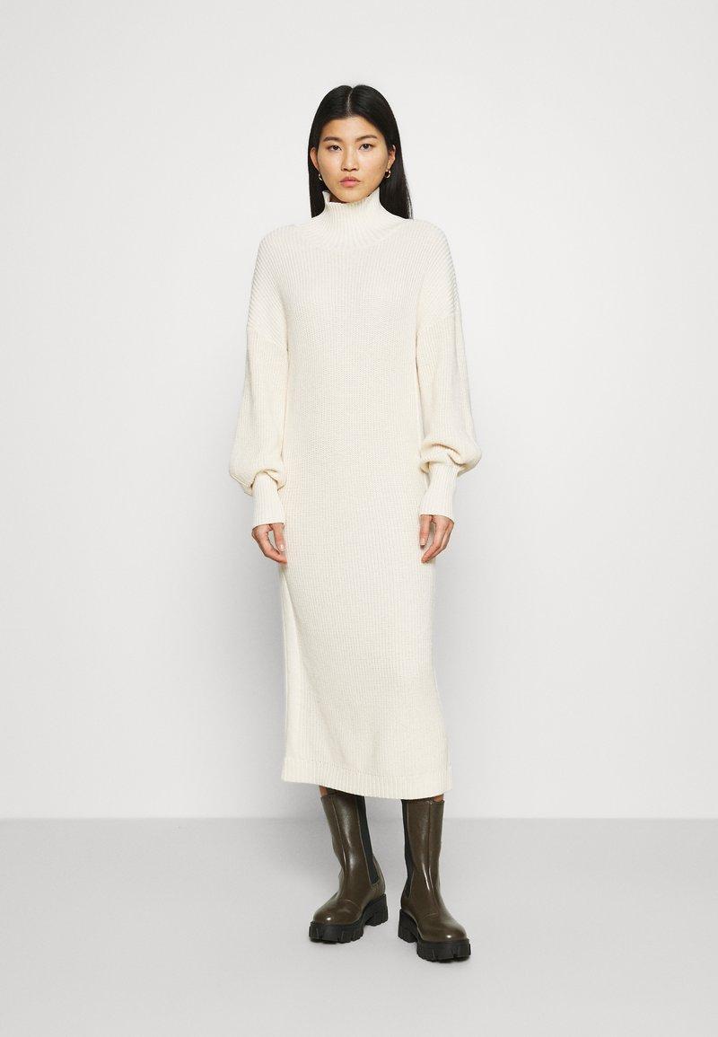 esmé studios - SCARLETT DRESS - Strikket kjole - egg white