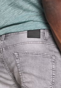 Only & Sons - ONSPLY - Jeansshorts - grey denim - 4