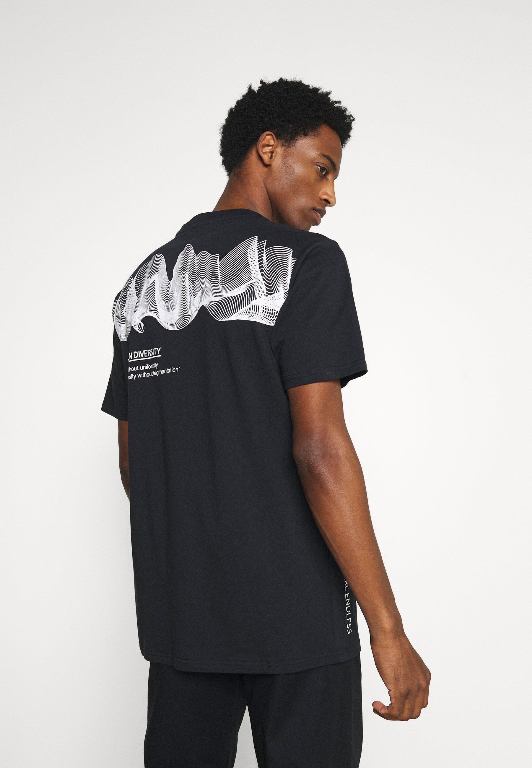 Men REVEL - Print T-shirt