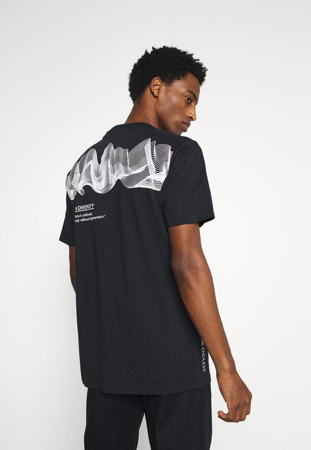 REVEL - Print T-shirt - black