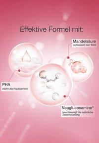 Neutrogena - GESICHTSPFLEGE GLOW BOOST REVITALISIERENDE TAGESPFLEGE - Face cream - - - 3