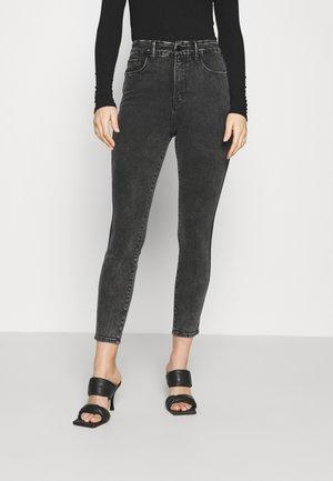 GOOD CURVE SKINNY CROP - Jeans Skinny Fit - black denim