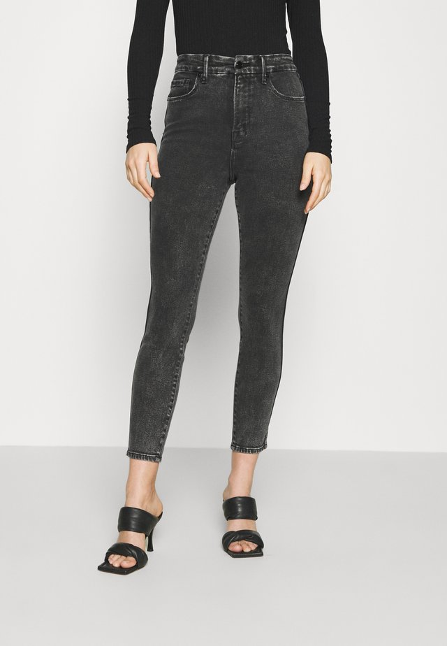 GOOD CURVE SKINNY CROP - Jeans Skinny Fit - black denim