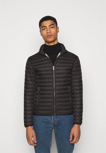 MENS JACKETS - Gewatteerde jas - black