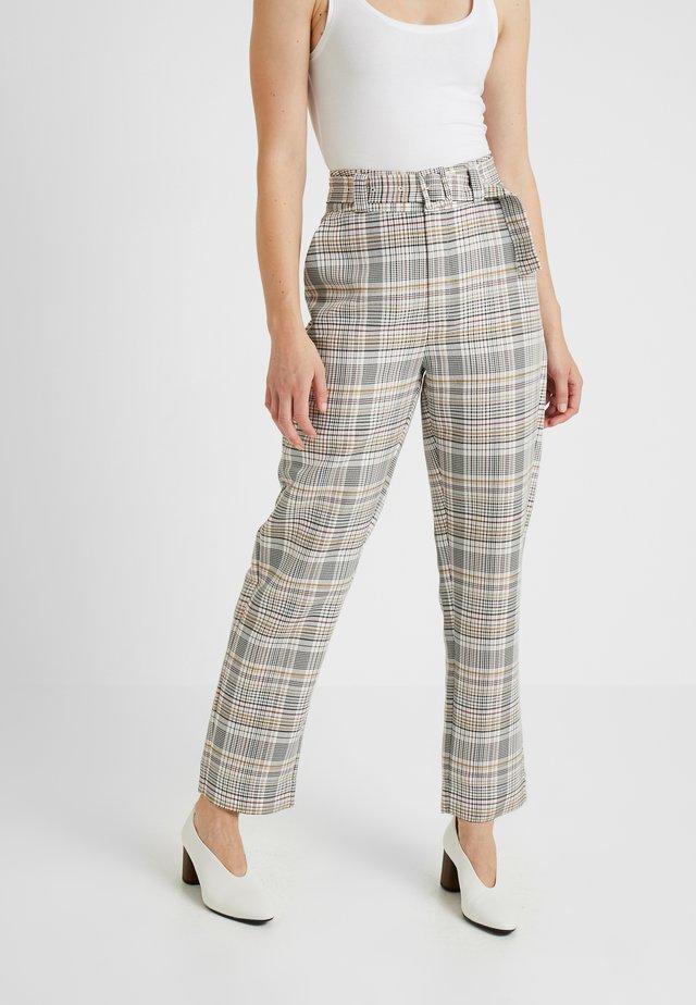 GINNIE PANTS - Pantaloni - red/yellow