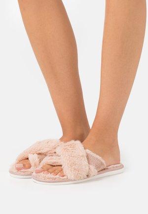 FANCIIE - Pantofle - pink
