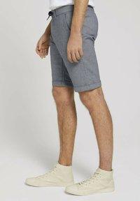 TOM TAILOR DENIM - Shorts - navy white dobby yarn dye - 3