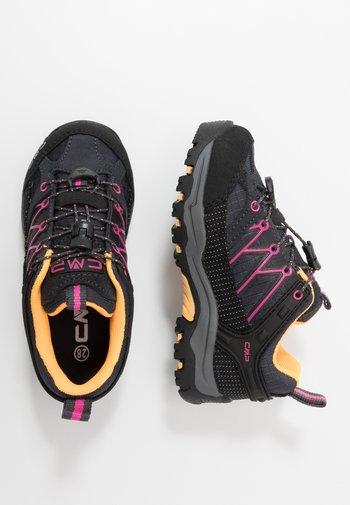 KIDS RIGEL LOW SHOE WP UNISEX - Hiking shoes - antracite/bounganville