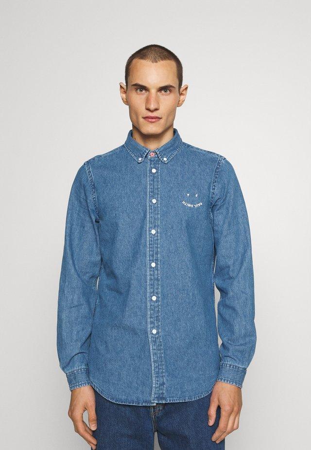 TAILORED FIT HAPPY - Shirt - blue denim