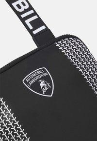 Lamborghini - Across body bag - nero/bianco - 5