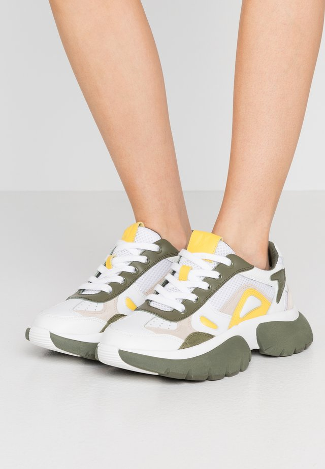 FASTER POP - Sneakers laag - kaki