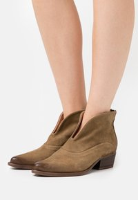 Felmini - WEST - Ankle boots - marvin stone - 0