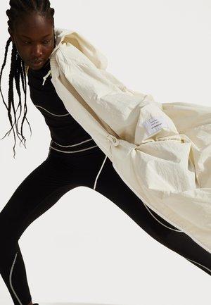 SWEATY BETTY X HALLE BERRY KARLA JACKET - Trainingsjacke - vanilla white