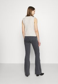 Topshop - JAMIE FLARE - Flared Jeans - washed black - 2
