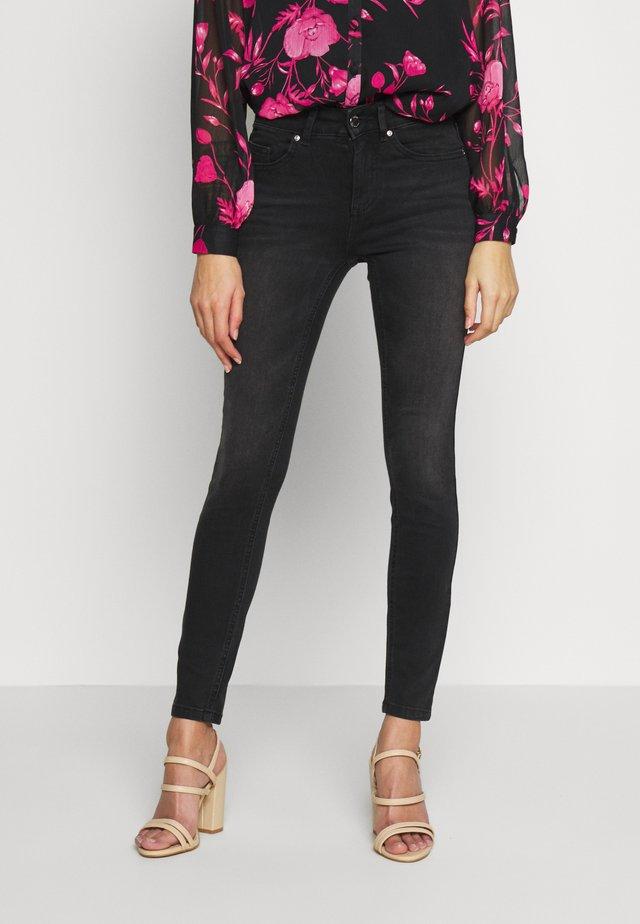 ONLBLUSH - Jeans Skinny Fit - black denim