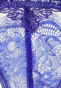Bluebella - LUMI THONG - String - amparo blue - 5