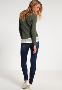 Hollister Co. - LOW RISE MEDIUM SUPER SKINNY - Skinny džíny - blue denim - 2