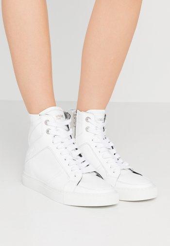 Baskets montantes - blanc