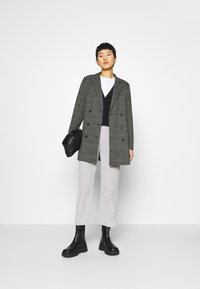 JUST FEMALE - MYRNA - Short coat - grey - 1