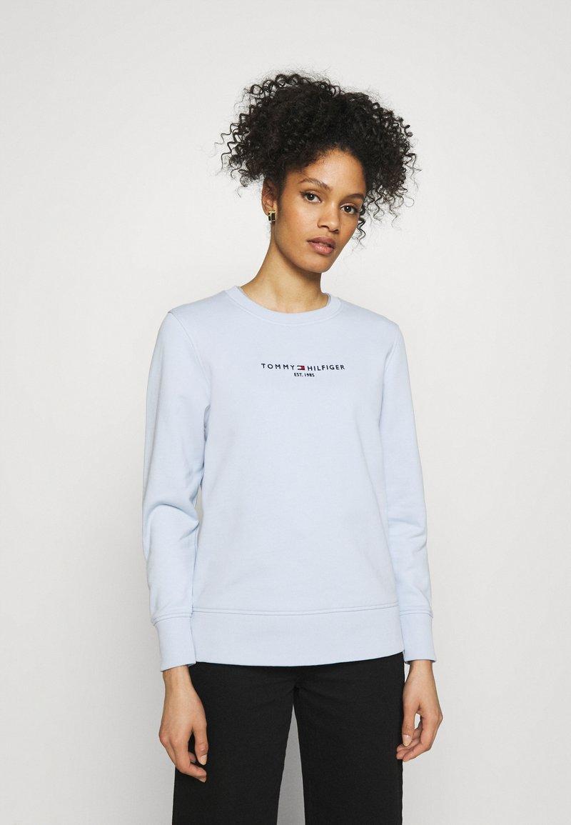 Tommy Hilfiger - REGULAR - Sweatshirt - breezy blue