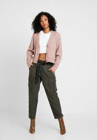 G-Star - CHISEL BF PANT WMN - Spodnie materiałowe - new drapy twill - 0