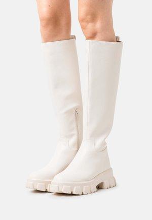 PROFILE SOLE SHAFT BOOTS - Platform boots - creme