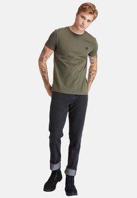 Timberland - Basic T-shirt - grape leaf - 1
